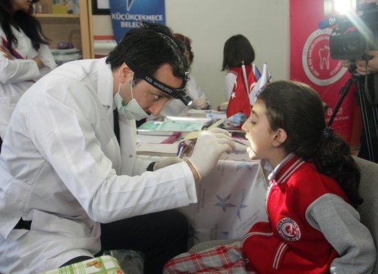 100 Bin Öğrenci Hayata Sağlıkla Gülümseyecek…