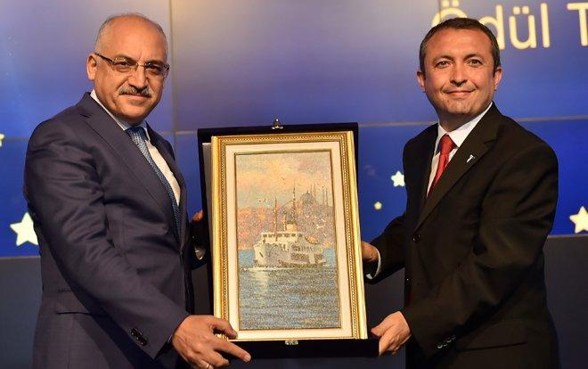 14 milyar dolarlık ihracatın yıldızlarına 115 ödül verildi