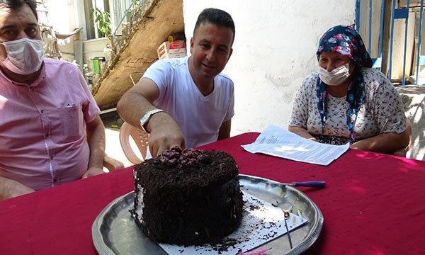 21 yılda 13 beyin kanaması, 6 felç geçiren Ferkan, 41'inci yaşına bastı