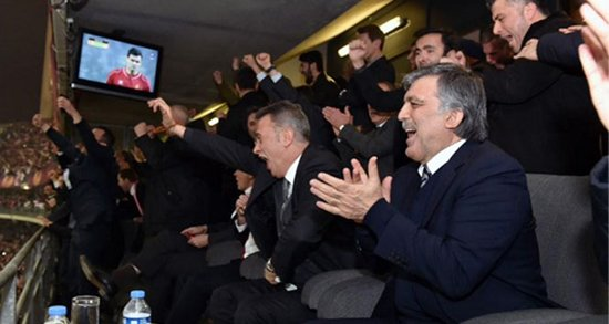 Abdullah Gül'ün galibiyet sevinci
