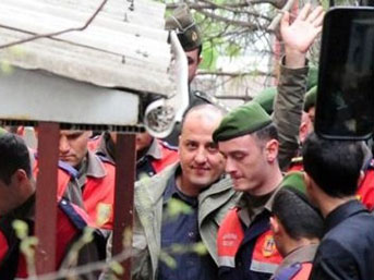Ahmet Şık ve Ertuğrul Mavioğlu beraat etti