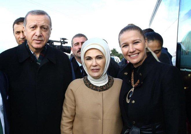 AK Parti Balıkesir İl Kadın Kolları Başkanı istifa etti