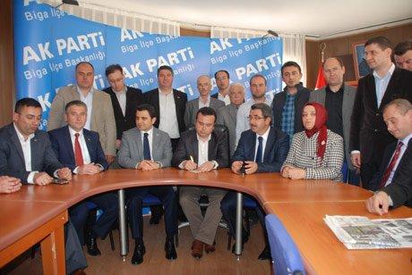 Ak Parti Biga İlçe Teşkilatı toplantı düzenledi.