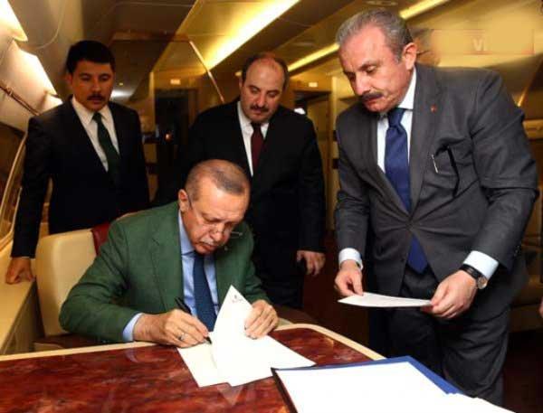 AK Parti'de belediye başkan adayları açıklanıyor!