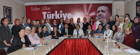 AK Parti İl Kadın Kolları Başkanı Oya Tuncel