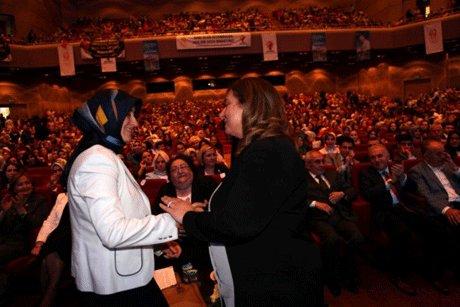 AK Parti İstanbul İl Kadın Kolları Başkanını seçti