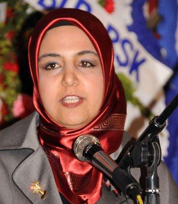 AK Parti Kadın Kolları başkanlığına Ketrez seçildi.