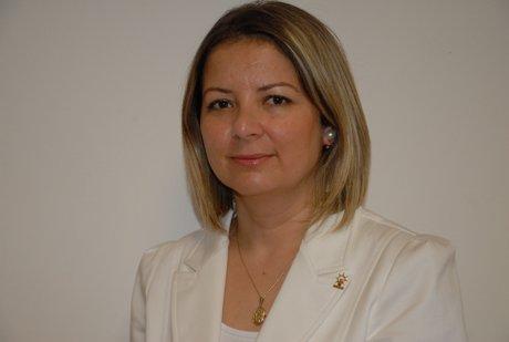 AK Parti Kadın Kolları İl Başkanı Esra Özkoç'a davet