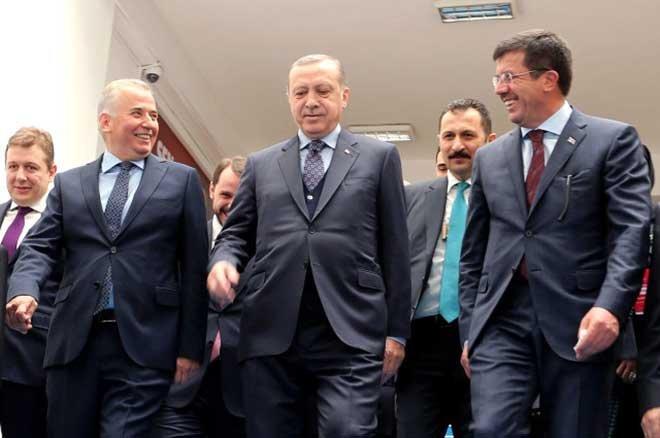 AK Parti'nin İzmir Adayı Nihat Zeybekci Oldu!