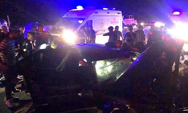 Aksaray'da iki otomobil çarpıştı: 2 ölü, 4 yaralı
