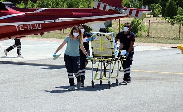 Ambulans helikopterle hastaneye götürüldü