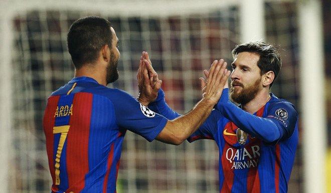 Arda Turan hat-trick yaptı, Barcelona turladı