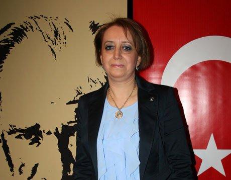 Arzu Özdoğan kadın kolları başkanı oldu.
