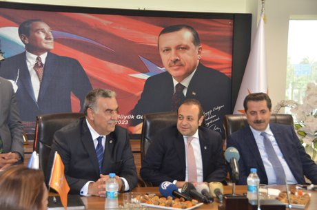 Bakan Egemen Bağış İzmir'de
