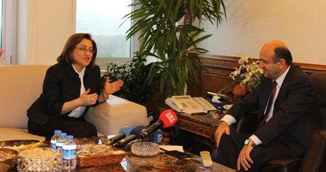 Bakan Işık, Fatma Şahin ile makamında görüştü