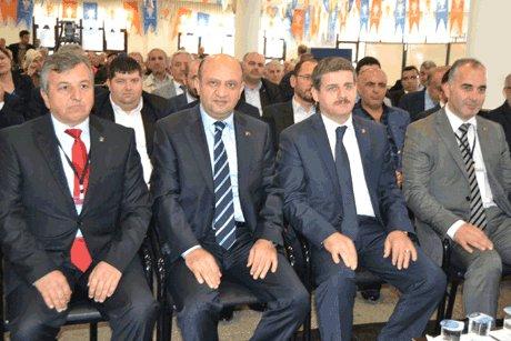Bakan Işık, Kocaeli'de İlçe Kongresine katıldı