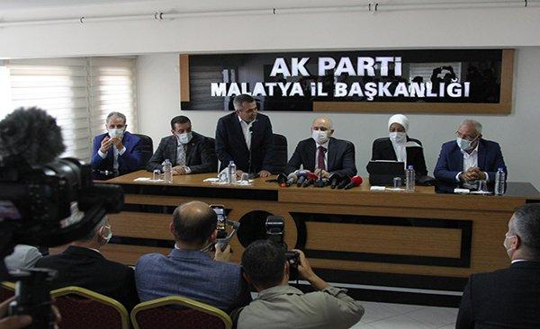 Bakan Karaismailoğlu: AK Parti Malatya İl Başkanlığı'nda(video)
