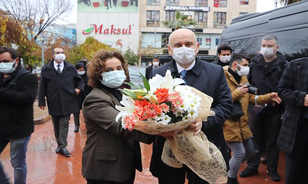Bakan Karaismailoğlu çevreyolu açılışı için Manisa'da