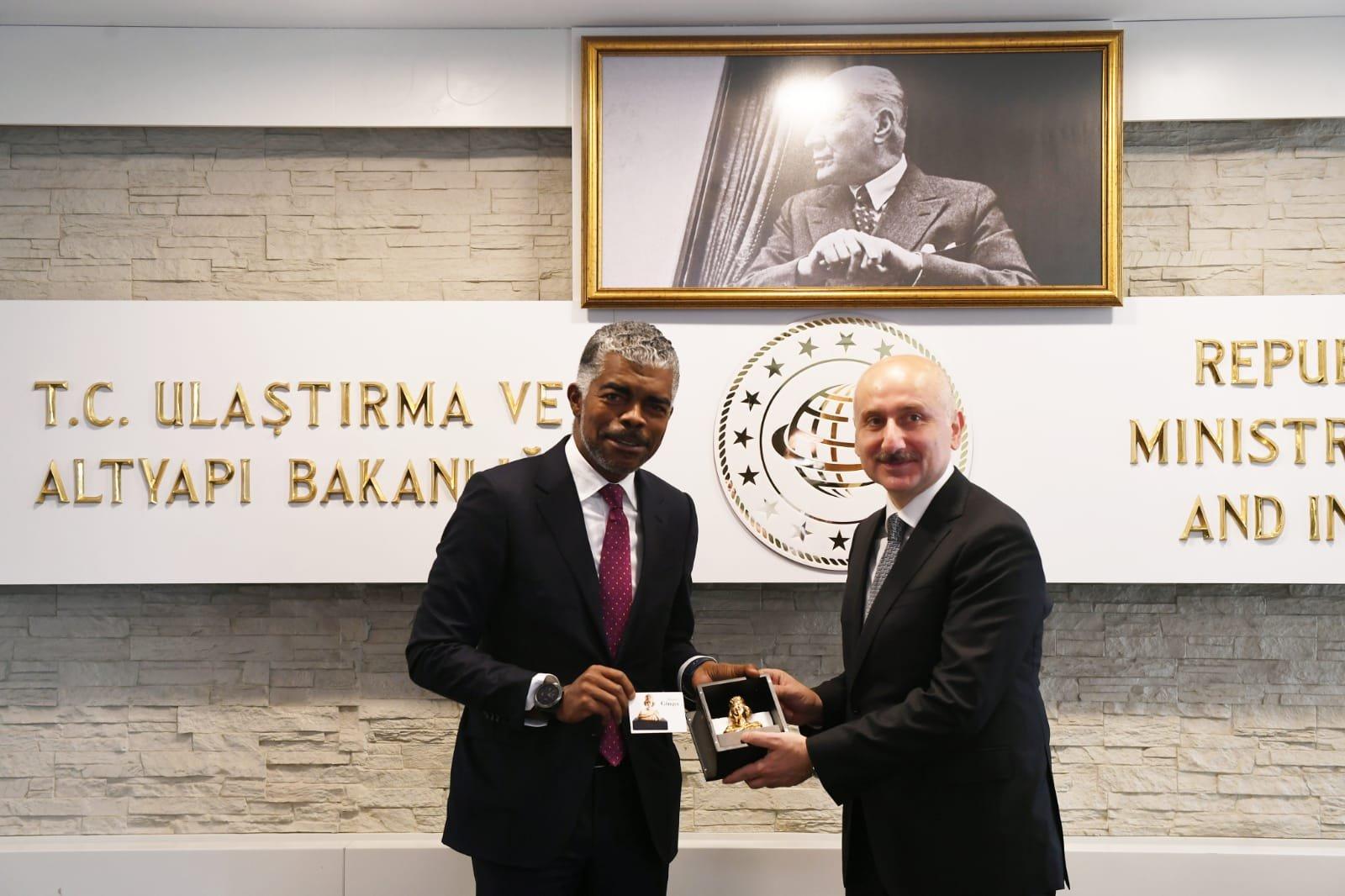 Bakan Karaismailoğlu: Türkiye, Angola ile iş birliğine hazır