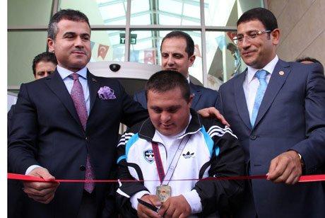 Bakan Kılıç, Çankırı Gençlik Merkezi'nin açtı