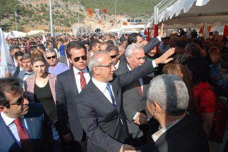 Bakan Lütfi Elvan Boğsak Tünelini hizmete açttı