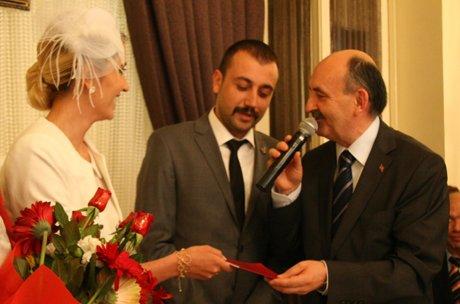 Bakan Müezzinoğlu'da çiftten 3 çocuk istedi.