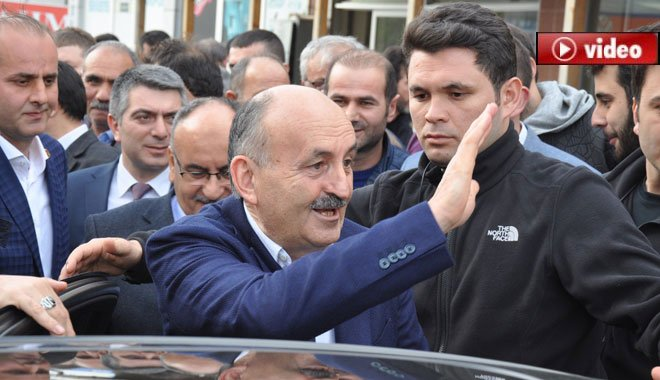 """Bakan Müezzinoğlu:""""Bir Erdoğan, bir tane de Kılıçdaroğlu çıkar"""""""