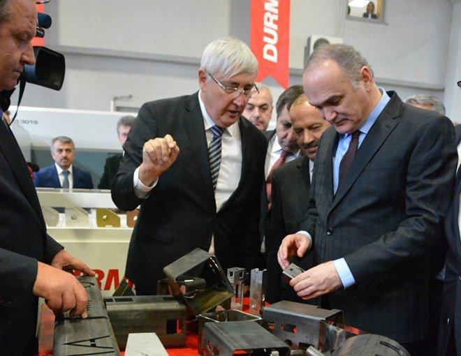 """Bakan Özlü:""""Özel sektör büyüdükçe Türkiye de büyüyecek"""""""