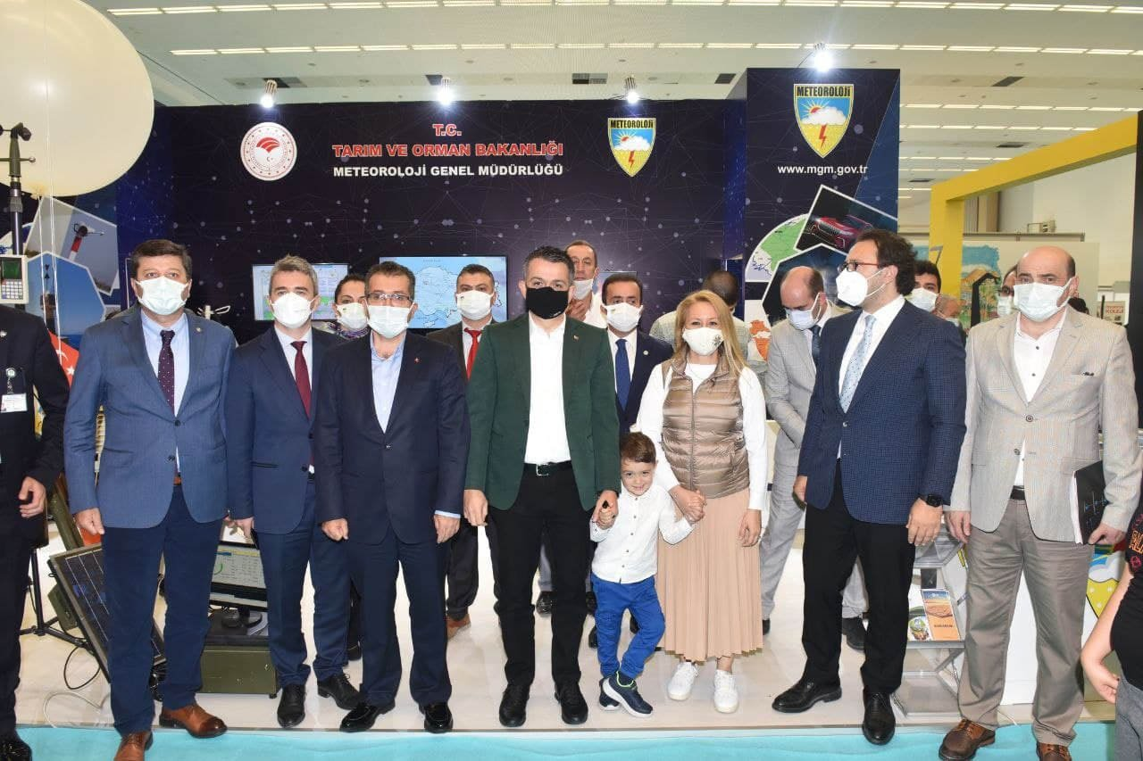 Bakan Pakdemirli, Teknoloji Fuarı'nı ziyaret etti#video