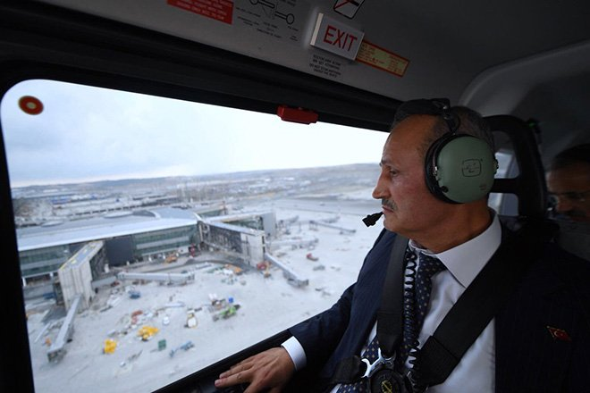 video Bakan Turhan 3. Havalimanı'nı denetledi!