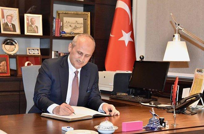 Bakan Turhan'dan İstanbul Havalimanı açıklaması!