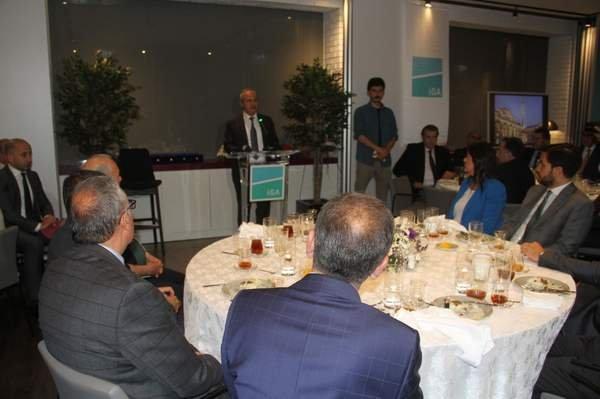 Bakan Turhan ,İHMD'nin geleneksel iftarına katıldı.