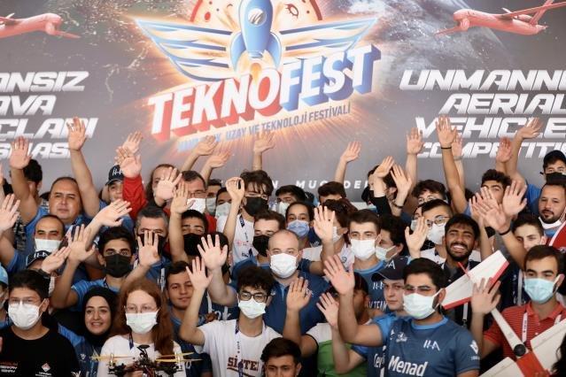 Bakan Varank, İnsansız Hava Araçları Yarışmaları'nı izledi