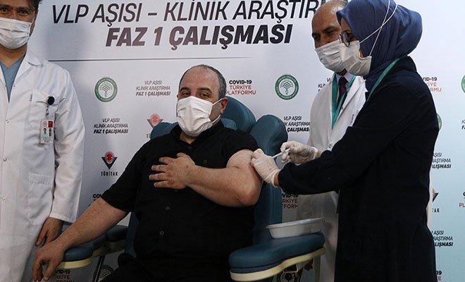 Bakan Varank, VLP temelli Covid-19 aşısı oldu(video)