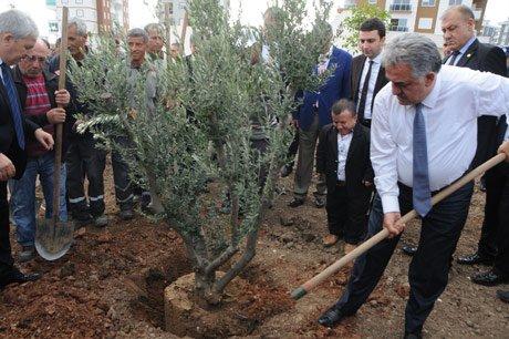 Bakan Yazıcı'dan Emekli Vatandaşa Zam Müjdesi