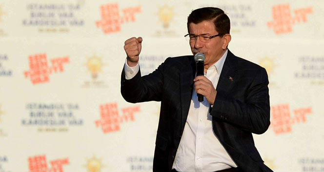 """Başbakan Davutoğlu; """"Bu Zafer Milletimizindir"""""""