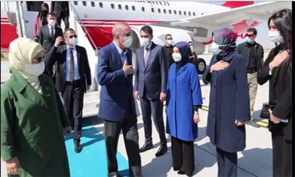 Başkan Erdoğan, Konya Havalimanı'nda karşılandı(video)
