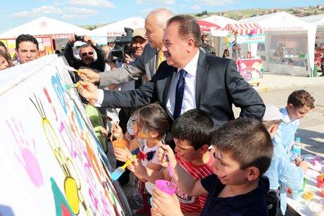 Başkan Gazi Şahin, Öğrencilere Teşekkür Etti