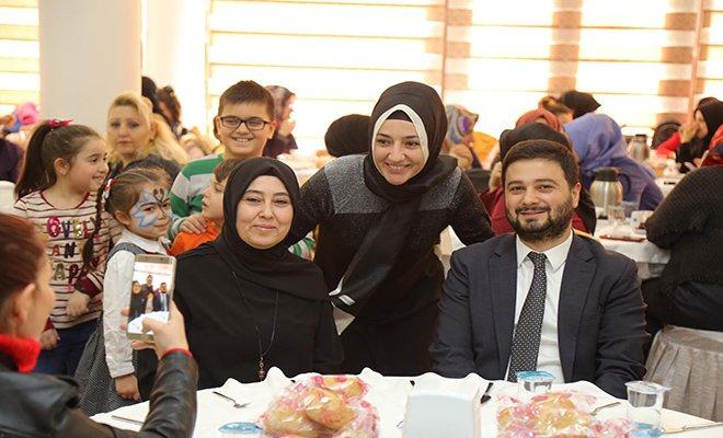 Başkan Öztekin, Kağıthane Anneleri ile buluştu