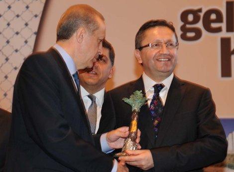 Tiryaki'ye Başbakan'dan birincilik ödülü