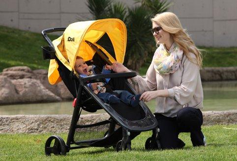 Bebek Arabalarıyla Baharda Keyifli Gezintiler…