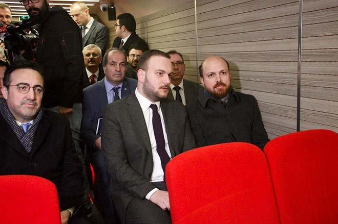 Bilal Erdoğan sinema otobüsünde belgesel izledi!