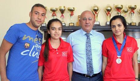 Bocce sporcuları Hacıcaferoğlu'nu ziyaret etti.