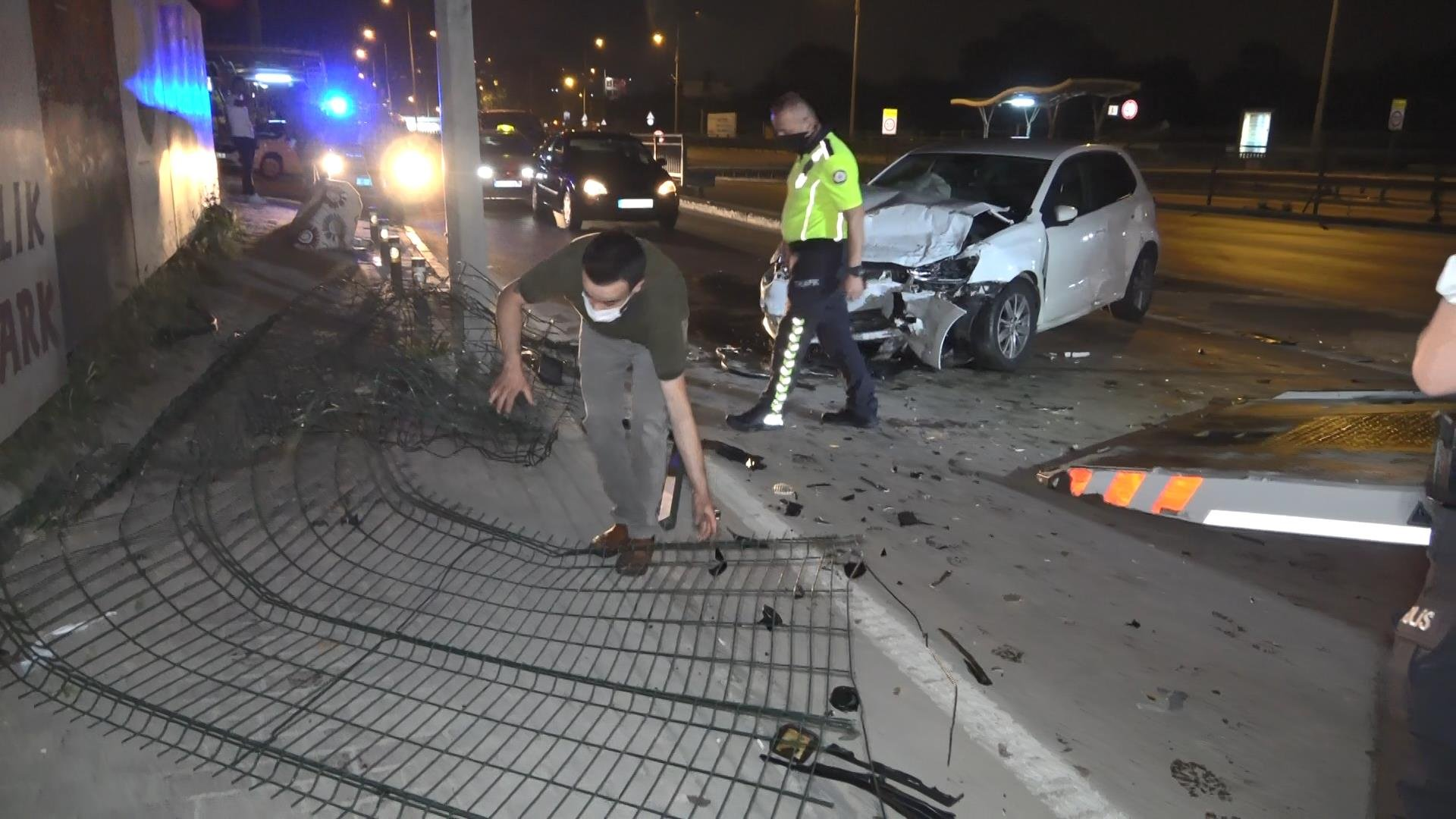 Bursa'da aşırı hız kazası: 3 ağır yaralı