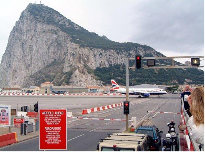 Cebelitarık Boğazının Küçük Ülkesi ; Gibraltar