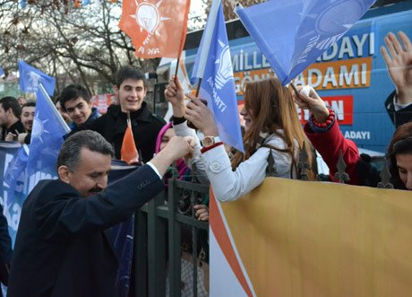 CEYLAN, Ak Parti Seçim Bürosunun açılışını yaptı.