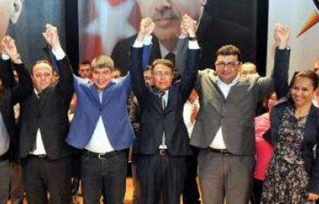 CHP'den 600 kişi AK Parti saflarına katıldı.