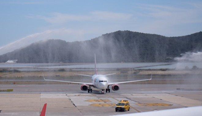 Corendon Dutch Airlines, İbiza'ya Uçuyor
