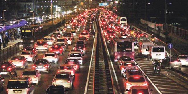 Cuma günü yollar trafiğe kapatılacak!