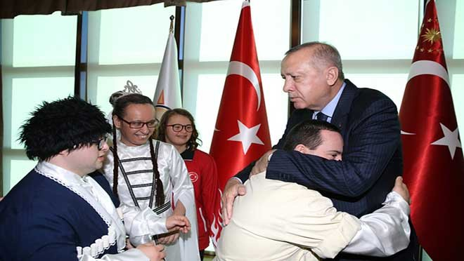 Cumhurbaşkanı Erdoğan, engellilerle bir araya geldi!